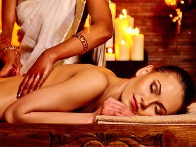 Prishta Abhyanga (Rückenmassage) + Nackenmassage
