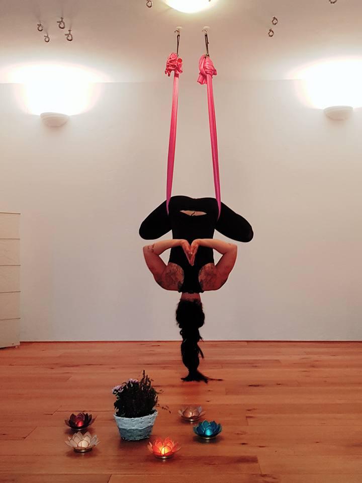 ANANDA® Aerial Yoga Workshop Anfänger 1 und 2